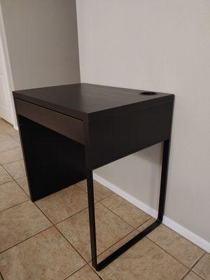 Desk good for kids for Sale in Chandler, AZ