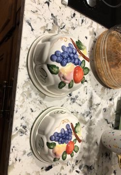 2 ceramic decorative molds . Can be hung as a decoration or used as a mold. for Sale in Naperville,  IL