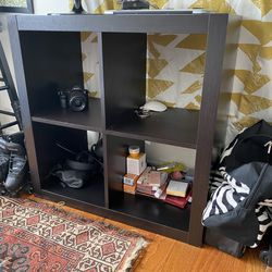 Dark Brown Wooden Organizer Cube Shelf. for Sale in Queens,  NY