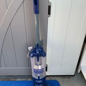 Shark Navigator Vacuum for Sale in Los Angeles, CA