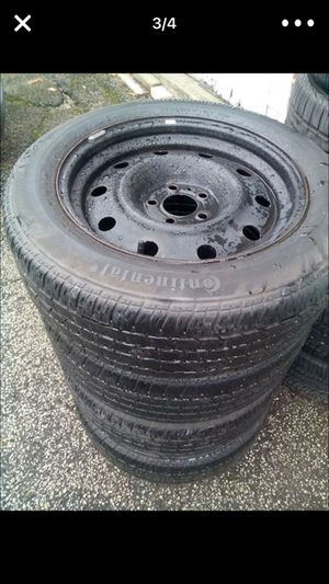 5lug roll on tires for Sale in Cleveland, OH