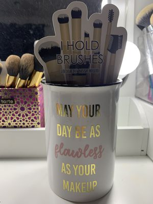 Makeup Brush Holder for Sale in Renton, WA