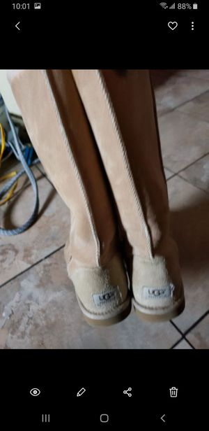 Botas ugg size 9 for Sale in Dallas, TX