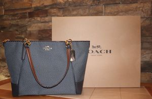 Coach Purse / tote for Sale in Las Vegas, NV