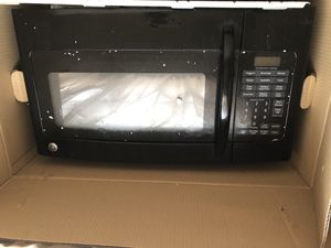 Whirlpool Overhang microwave for Sale in Baltimore, MD