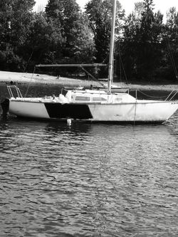 Cal 27 Sailboat for Sale in Portland,  OR