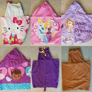 6 Disney/Mix Girls Towels for Sale in Manassas, VA