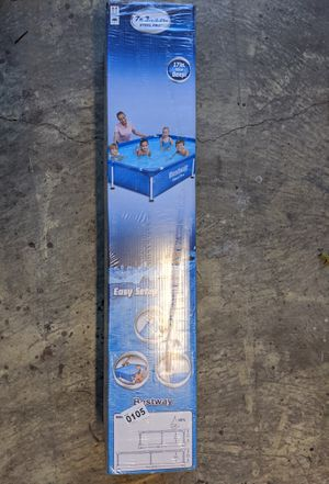 7.25ft x 5ft x 17in swimming pool for Sale in Fresno, CA