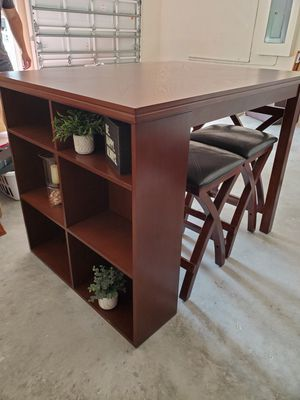 3 piece kitchen table w/side shelves for Sale in Homestead, FL