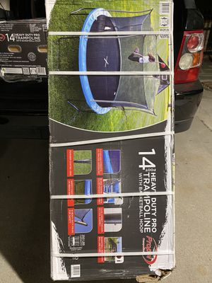 14 FOOT HEAVY DUTY TRAMPOLINE WITH BASKETBALL HOOP for Sale in Fontana, CA