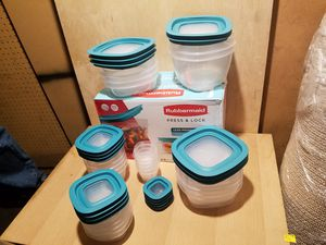 Rubbermaid Press & Lock food storage containers for Sale in Santa Ana, CA