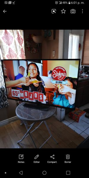 Vizio 50 inch tv smart for Sale in Los Angeles, CA
