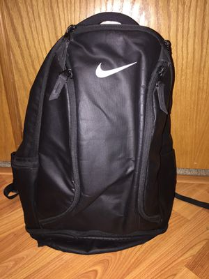 Nike Max air black backpack for school, sport, work. for Sale in Happy Valley, OR