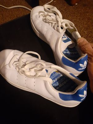 Leather Blue N White Adidas Skateboarder Edition LIKE NEW for Sale in Tulsa, OK