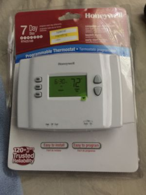 Honeywell Programmable Thermostat for Sale in La Vergne, TN