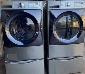 Very nice Kenmore Washer and Dryer Front Loaders with Pedestals for Sale in Santa Ana, CA