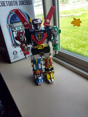 Original Trendmasters Metal Voltron with extra leg and Limited DvD for Sale in Missoula, MT