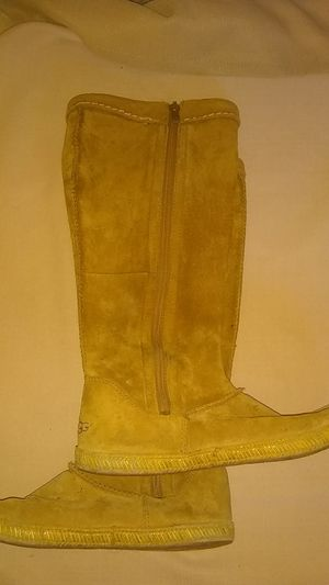 Ugg Mammoth casual boots women's 6 Chestnut for Sale in Vista, CA