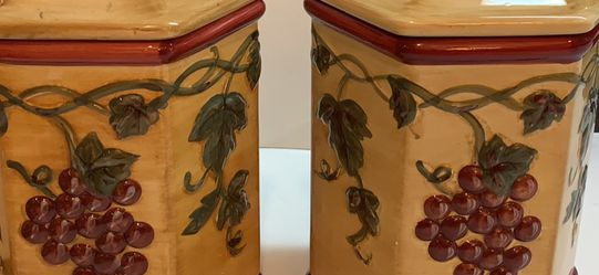 Cookie Jar-Handmade For Nonni's Hexagon-Shaped Biscotti Tuscany Grape Vines for Sale in Lake Zurich,  IL