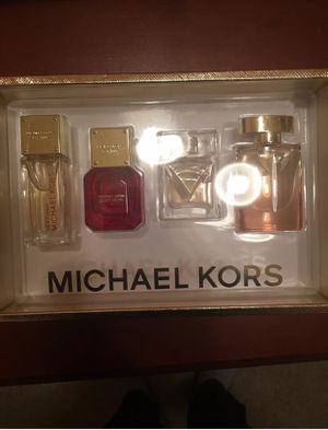Michael Kors Luxury gift set for Sale in Baltimore, MD