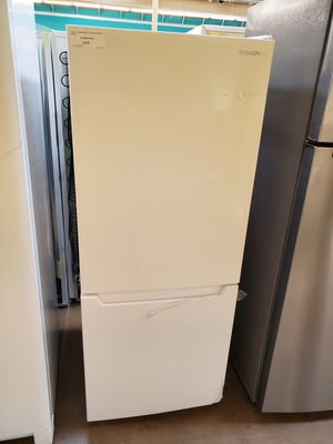 Insignia White Refrigerator for Sale in Walnut, CA
