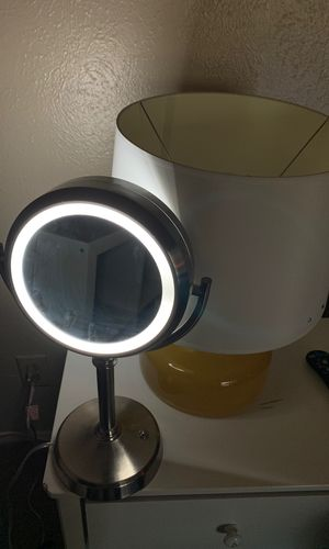 Make up lamp for Sale in Dallas, TX