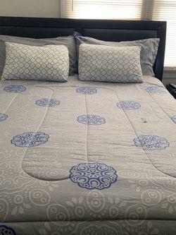 Bedroom Set Make Me An Offer for Sale in Los Angeles, CA