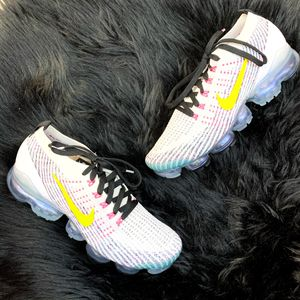 Nike Men's Air VaporMax Flyknit 3 Running Sneakers White Yellow Size 9 NEW! for Sale in Phoenix, AZ