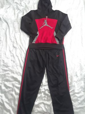 JORDAN/NIKE YOUTH BUNDLE for Sale in PT CHARLOTTE, FL