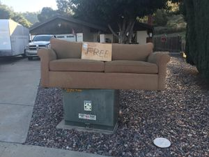 Free couch for Sale in Lakeside, CA