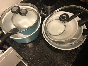 Pots and pans set - cook ware for Sale in Round Rock, TX