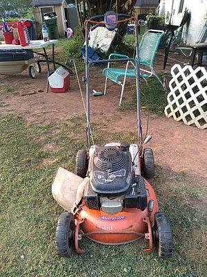 Husqvarna self proppeld lawn mower for Sale in Atlanta, GA