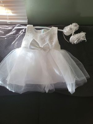 Flower girl dress white 6m for Sale in Brooklyn, OH