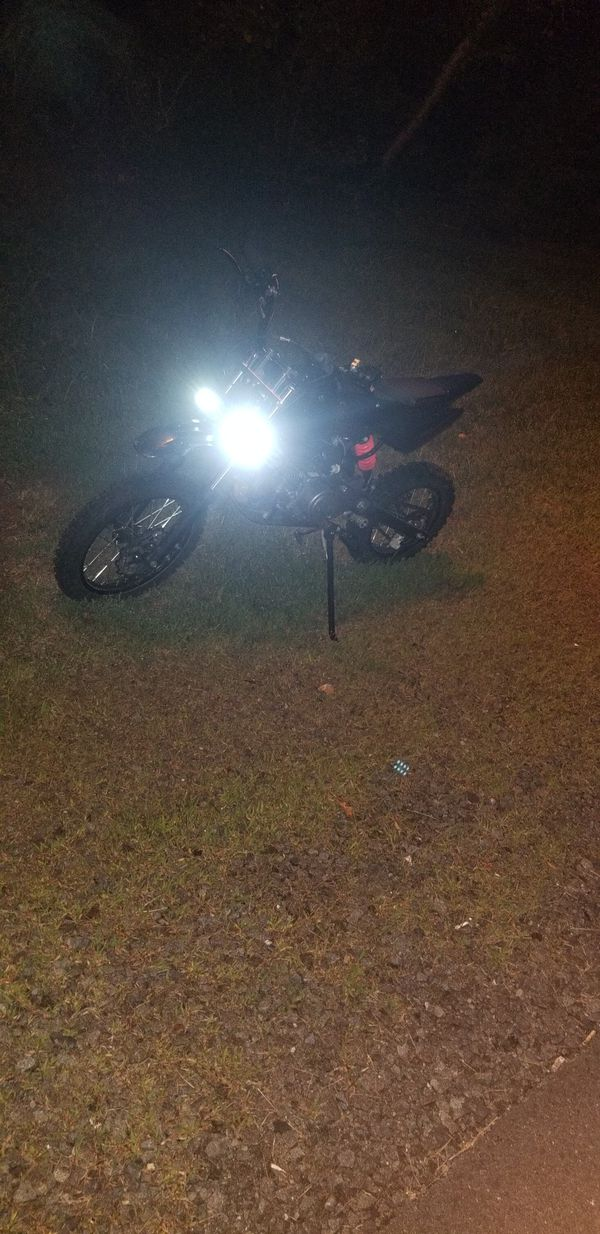 125cc dirt bike just use Like 3 weeks perfect condition everything works