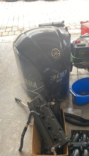2008 Yamaha V8 300 350 parts mercury Suzuki outboard for Sale in Fort Lauderdale, FL