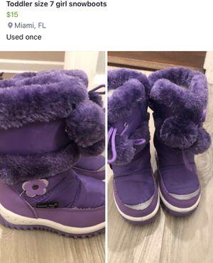 Size 7 kid snow boots for Sale in Miami, FL