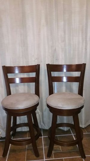 Used Swivel bar stools. Very comfortable. Set of two $67 for Sale in Santa Ana, CA