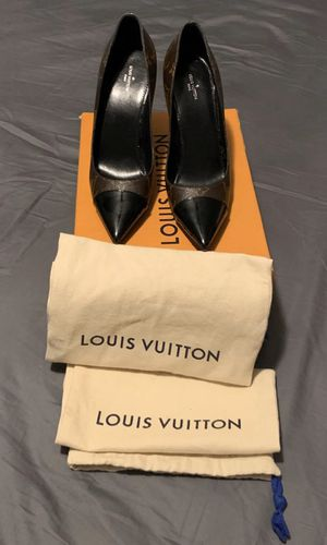 Louis Vuitton Pumps for Sale in Nashville, TN