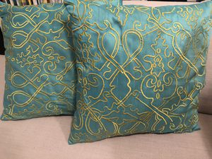 100% silk and hand embroidered twin throw pillows for Sale in Hoboken, NJ