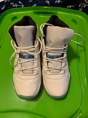 Jordan Retro 11 Space Jam size 7y for Sale in Miramar, FL