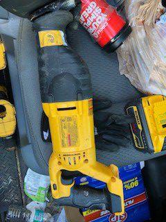 Dewalt 18v sawzall for Sale in Tamarac, FL