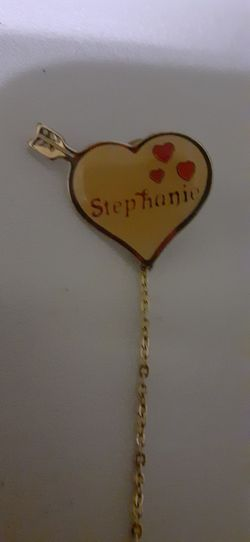 """Gold or plated """"stephanie""""pin/brooch for Sale in Cleveland,  OH"""
