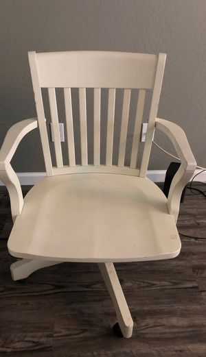 Fancy office chair for Sale in Phoenix, AZ