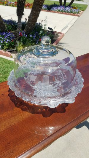 Cake stand with cover for Sale in Modesto, CA