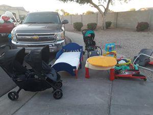 Carreola y varias cosas for Sale in Phoenix, AZ