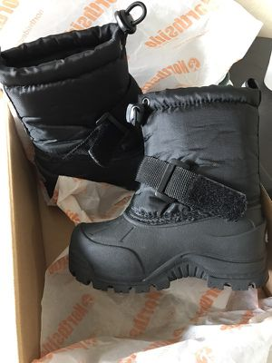 Toddler Snow boots for Sale in Hialeah Gardens, FL