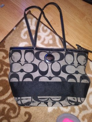 Authentic Coach handbag for Sale in Manchester, MO