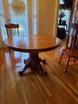 Breakfast table and 4 chairs for Sale in Conyers, GA