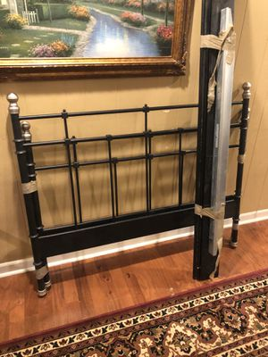 Full size bed frame for Sale in Roswell, GA