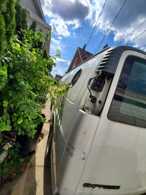 Chevy express 2002 running very good 138k miles for Sale in Dearborn, MI